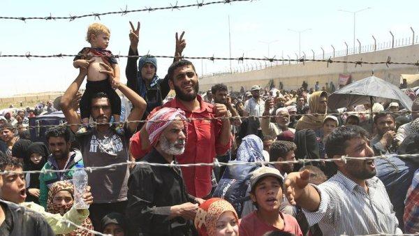 Des réfugiés expulsés vers la Syrie par la Turquie et l'UE. Ignoble !