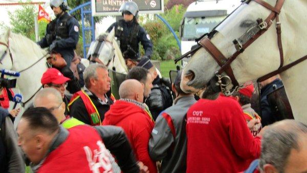 Valenciennes. La police montée réprime violemment des syndicalistes devant Alstom