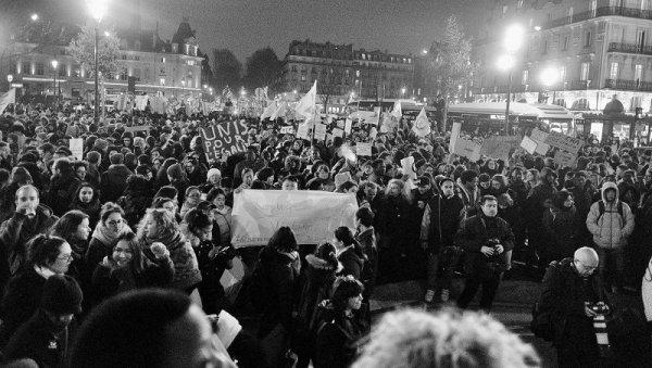 Plusieurs milliers de manifestants à Paris contre la loi asile et immigration