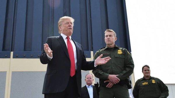 Trump menace (encore) de fermer la frontière avec le Mexique