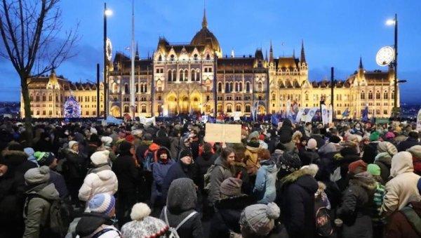 Hongrie. La jeunesse et le monde du travail contre les réformes néolibérales de Orban