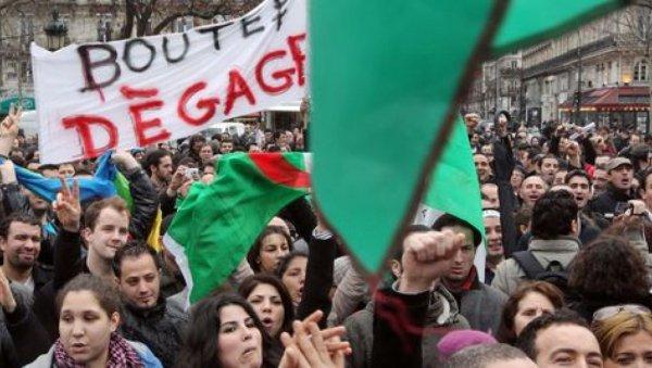 Contre le 5e mandat de Bouteflika, des milliers d'étudiants mobilisés en Algérie