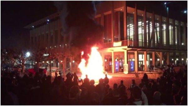 Mobilisation anti-Trump à Berkeley. « Ceci est une guerre »