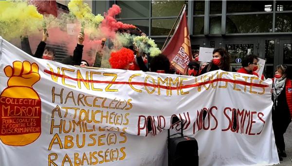 Sexisme à McDonald's. Des employés se rassemblent devant le siège pour dénoncer les discriminations