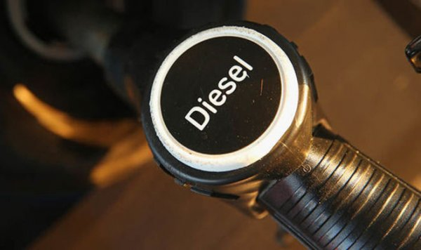 VIDEO. 2 mois après, Bercy explique que le Diesel serait... finalement moins polluant que l'essence !
