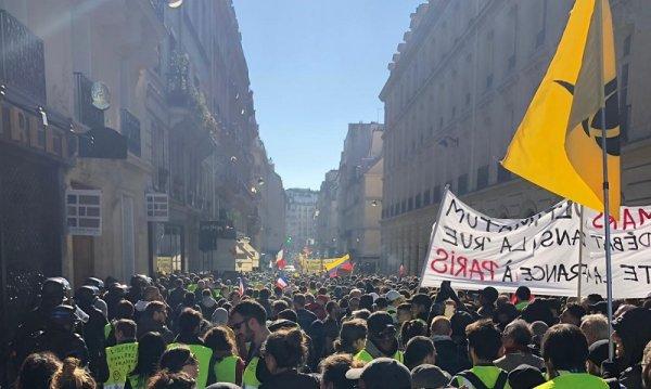 Direct Clermont Ferrand : Au moins 2500 Gilets Jaunes, 15 interpellations et des lacrymo
