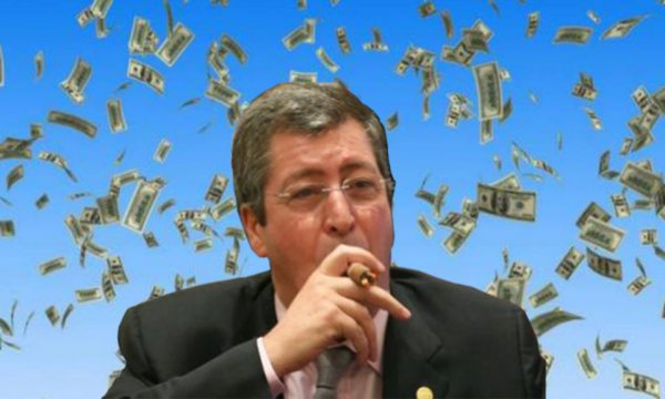 Fidèle à lui-même, Patrick Balkany baisse le salaire de ses adjoints pour s'augmenter