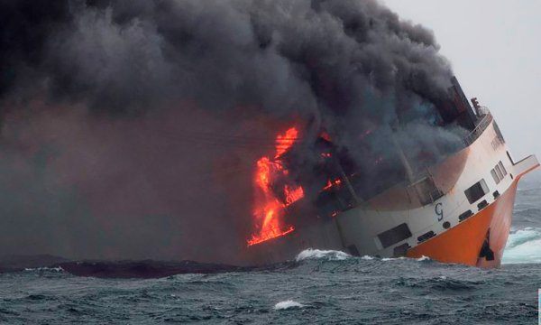 Naufrage du Grande America : 2 200 tonnes d'hydrocarbures se dirigent vers les côtes françaises