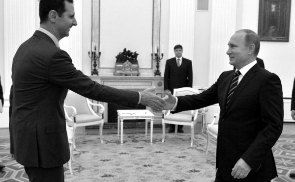 Visite surprise d'Assad à Moscou pour préparer la « transition politique » en Syrie ?