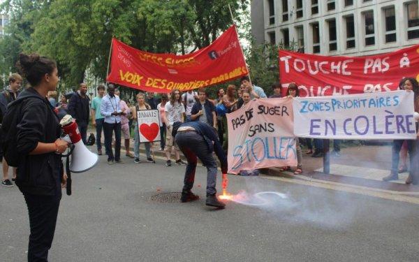Rentrée chaotique : dans les lycées pleins à craquer, la mobilisation s'étend