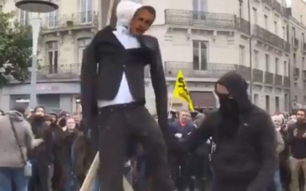 Nantes. Pendaison d'un mannequin à l'effigie de Macron, deux hommes condamnés à des stages de citoyenneté