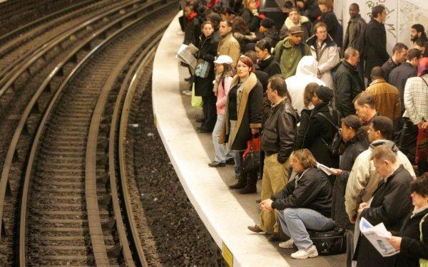 Craignant un décembre noir, la direction de la RATP se prépare déjà à casser la grève du 5