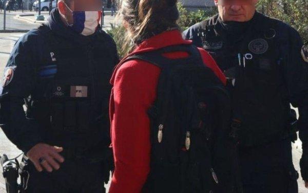 Symbole d'extrême droite sur l'uniforme : deux policiers portent plainte contre l'élu LFI qui les a dénoncés