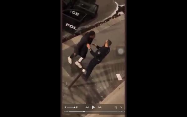 VIDEO Nouvelle agression raciste par la police en pleine rue