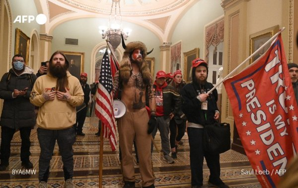 [DIRECT] Des manifestants pro-Trump envahissent le Capitole pour contester le résultat des élections
