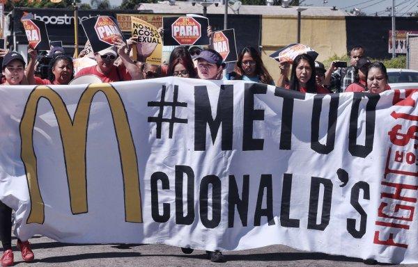 Stop au harcèlement sexuel chez MacDo : la grève s'étend aux Etats-Unis