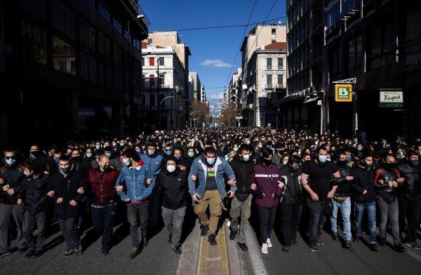 INTERVIEW. « Le mouvement en Grèce est le résultat d'un ras-le-bol plus général de la jeunesse »