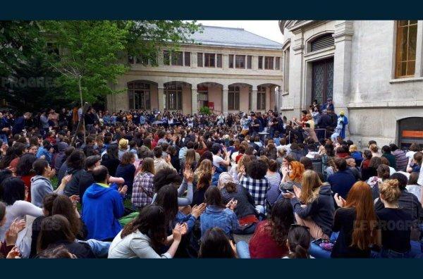 1000 en AG à l'université Lyon 2 : les étudiants revotent le blocage et l'occupation !