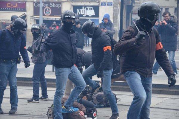 """Ce 22 mars à Nantes : """"Des grenades entières ont explosé sur les jambes de deux personnes"""""""