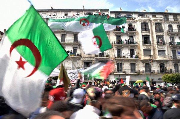 Algérie. Bouteflika forcé à démissionner : c'est avec tout le régime qu'il faut en finir !