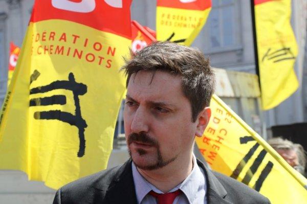 Débat avec Laurent Brun : « Pas de trêve de Noël » ou appeler à la grève générale ?