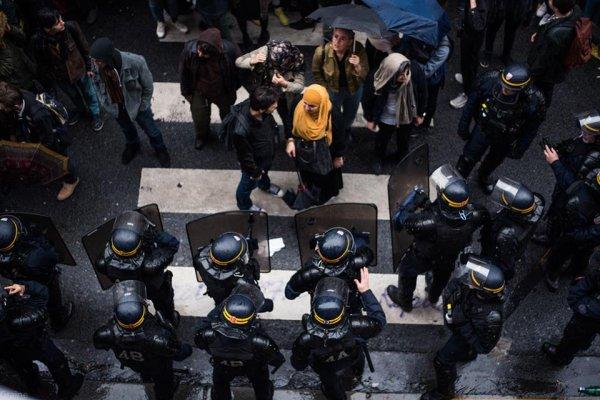 Tous à La Sorbonne ! Les occupant.e.s, encerclé.e.s par les CRS appellent au soutien