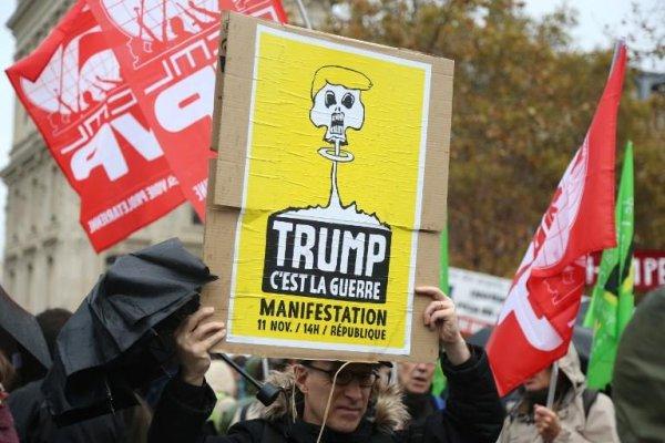 #11novembre. Paris bouge contre les « fauteurs de guerre »