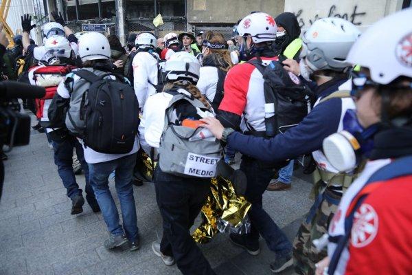 Acte 18. Tirs de LBD, grenades de désencerclement, de nombreux blessés à Paris