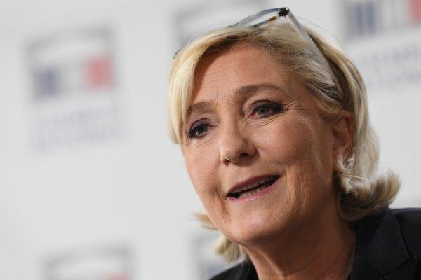 Marine Le Pen compare les migrants à des éoliennes