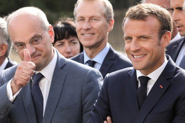 Macron monte au créneau pour défendre Blanquer et dénonce les profs « preneurs d'otages »