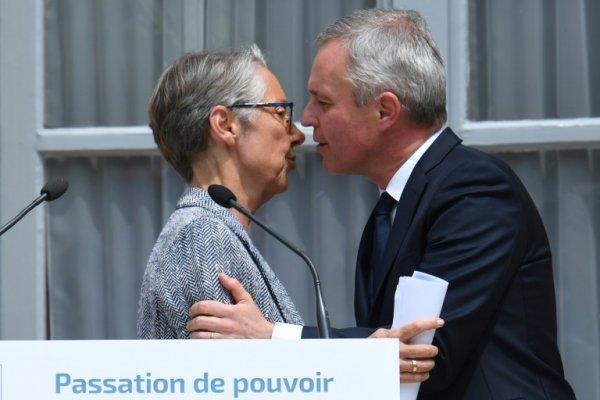 Macron nomme Elisabeth Borne, la casseuse du rail, à l'écologie