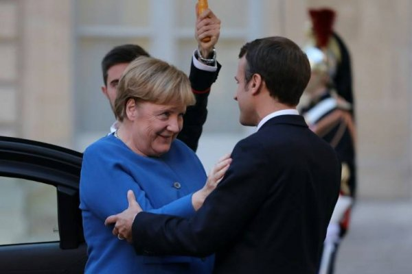 Macron et Merkel à Toulouse : Hospitaliers et Gilets Jaunes préparent le comité d'accueil