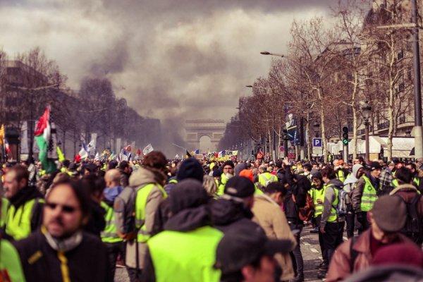 Le 5 décembre et les mobilisations dans le monde