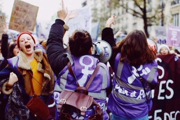 8 Mars : 5 raisons de se mobiliser auprès des féministes révolutionnaires de Du Pain et des Roses
