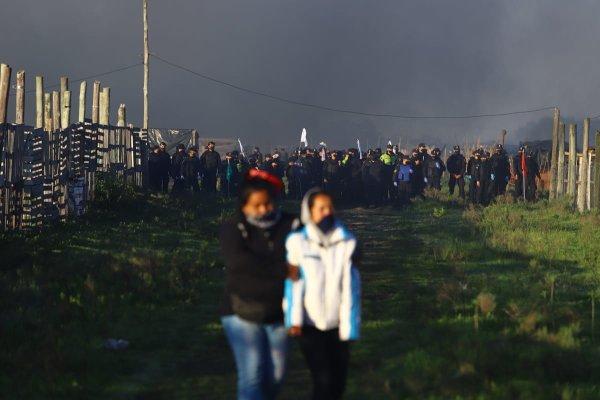 Solidarité avec Guernica, une occupation de 1400 familles incendiée par le gouvernement argentin