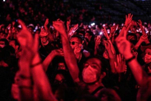 Concert d'Indochine : le gouvernement en opération de comm' sur sa gestion de la crise sanitaire