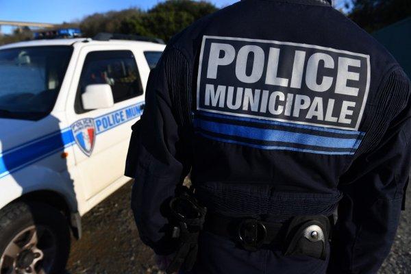 Cantine impayée : une mairie envoie la police arrêter et ramener chez lui un enfant de 7 ans !