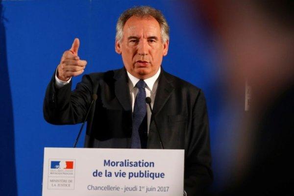 Bayrou veut « moraliser la vie politique ». C'est l'hôpital qui se moque de la charité !