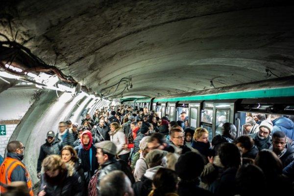 RATP : Vives réactions après les 42 000 courriers personnalisés envoyés pour diviser les grévistes.