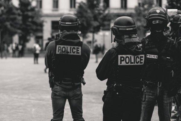 « La police a son rôle à jouer » durant le déconfinement : une position problématique de Bordeaux en Luttes