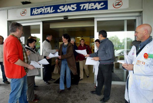 Grève dans les hôpitaux. Communiqué de soutien des usagers et appel à la mobilisation