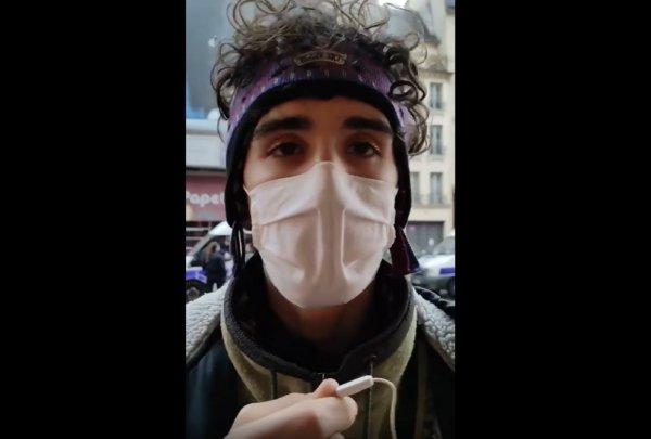 VIDEO. Un manifestant victime d'agression sexuelle : « Le policier m'a franchement fouillé le slip, le sexe, l'anus »