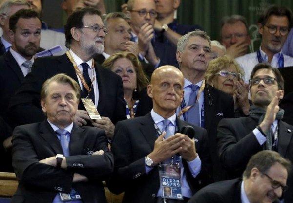 Zidane quitte son poste d'entraîneur du Real. Rien ne va plus pour la monarchie