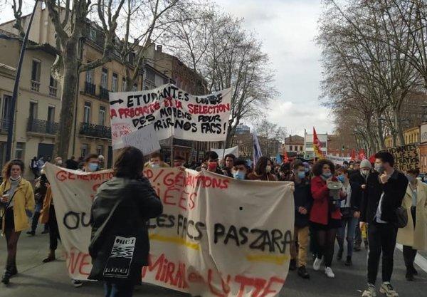 A Toulouse, 3000 manifestants pour l'emploi. Il est urgent de construire un vrai plan de bataille !