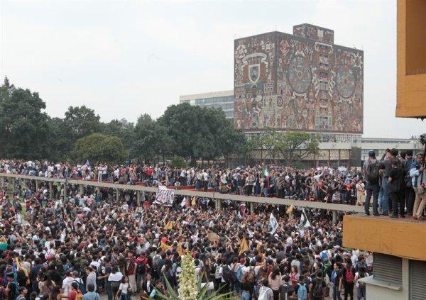 Mexique : le mouvement étudiant se lève contre la répression para-étatique