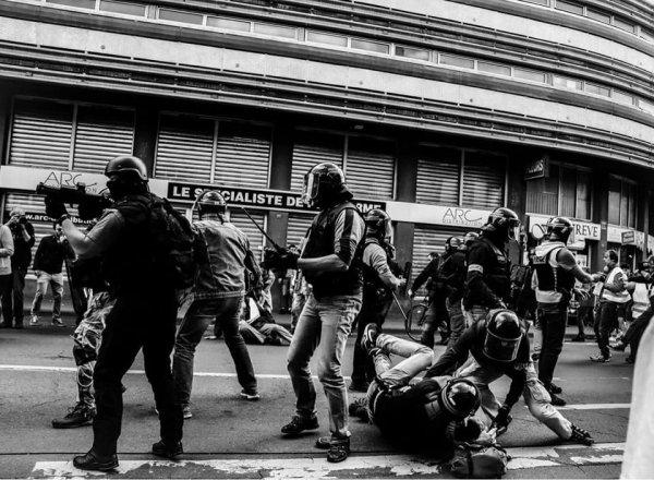 Derrière l'opération « semblant de justice », le Procureur de Paris légitime les violences policières