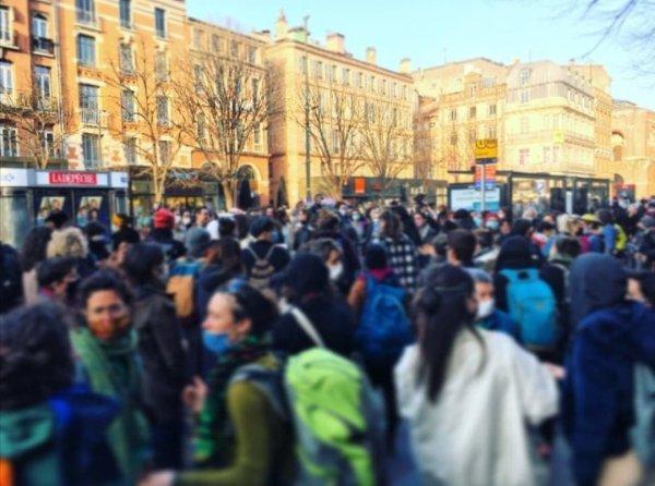 Toulouse : La marche nocturne non-mixte interdite et réprimée par la préfecture