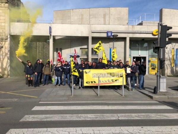 Bordeaux : les postiers girondins en grève illimitée depuis un mois
