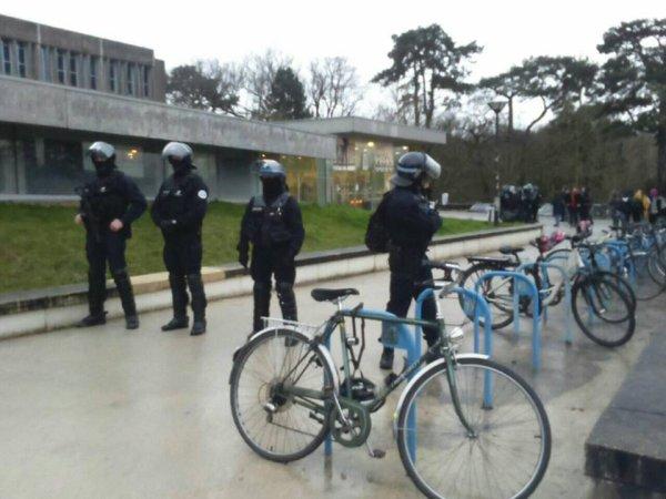 Nantes : le Président de la fac fait expulser par la police les étudiant.e.s grévistes de la faim