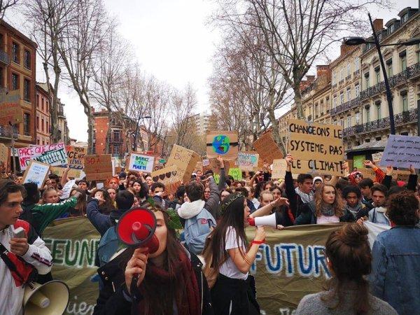 Grève mondiale pour le climat : 5000 jeunes manifestent à Toulouse